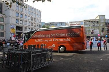 Der Bus der rechten Hetzer